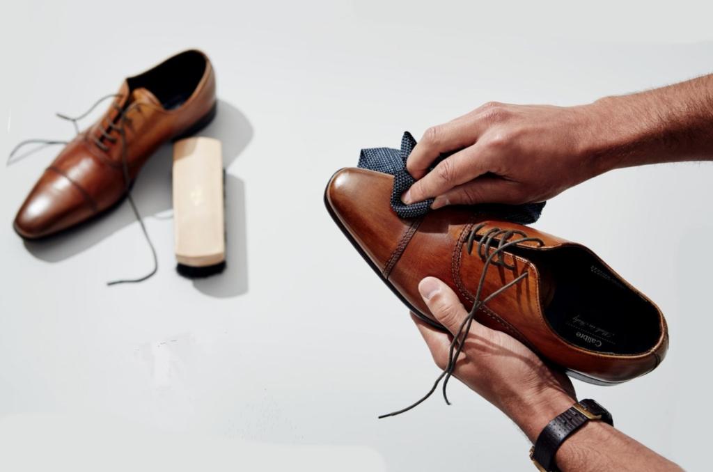 Чистка ботинок из гладкой кожи