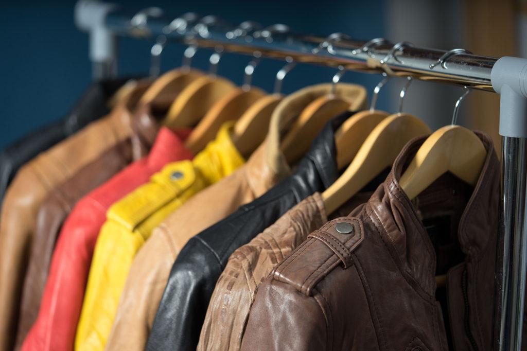 Правильное хранение кожаных вещей